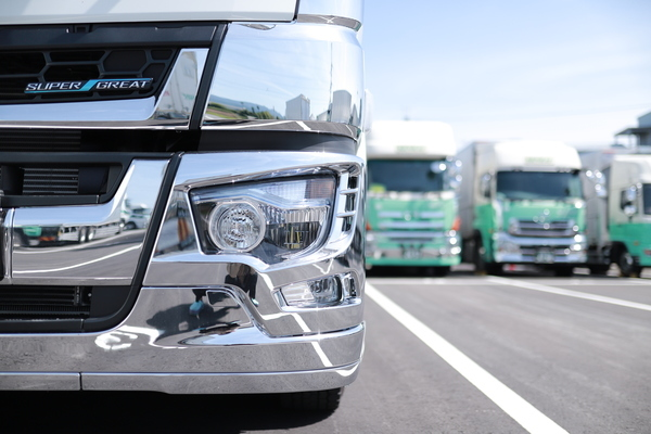 大型トラックドライバー(セールスドライバー大型)みよし営業所 イメージ1