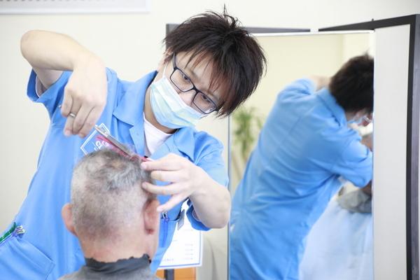 【社会保険完備・正社員】理容師・美容師 イメージ1