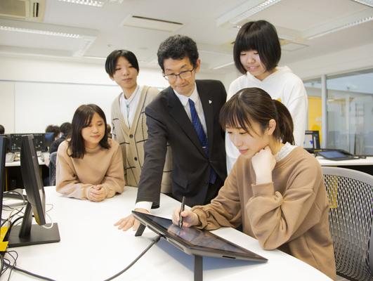 SEやプログラマーの経験が活かせる専門学校の教員 イメージ1