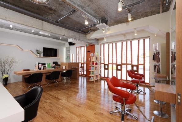 美容室ブルーム/【札幌市勤務】美容師 ◎美容の仕事を幅広くじっくり身につけたい方